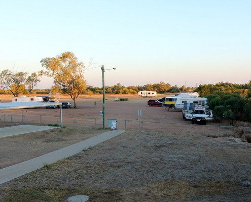 Thomson-River-Camp-Area-at-Longreach-Facilities-Great-for-Dog-Friendly-Travel